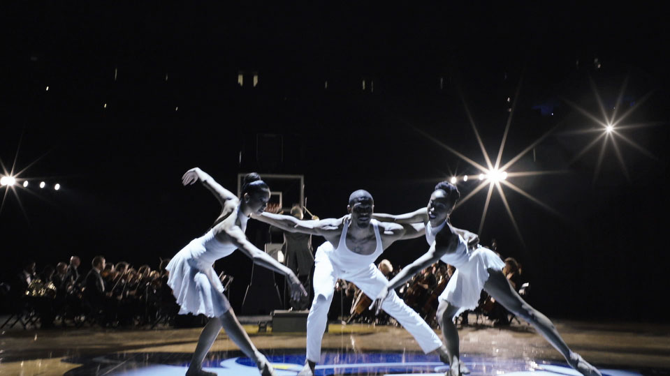 VFX for Craig Brewer's Memphis Grizzlies film : dancers